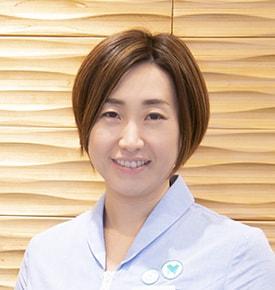 谷澤 綾乃 先生(トップ画像左は、受付の吉田さん)写真