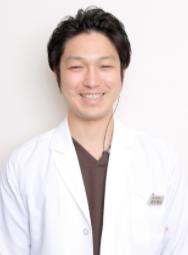MI総合歯科クリニック 理事長 岩本 麻也 先生写真